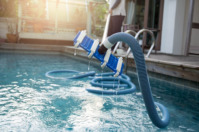 How to Select the Right Salt Water Pool Chlorinator