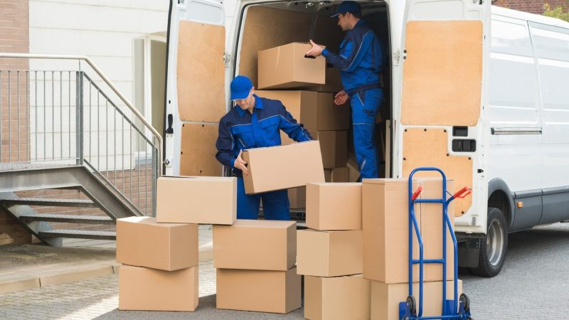 Benefits of Hiring Professional Movers When You Move Interstate