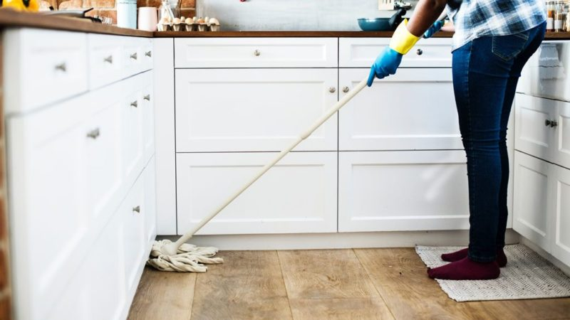 Five Reasons Why You Must Hire Professionals to Clean Tile and Grout