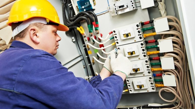 Hiring An Electrician: Quick Tips