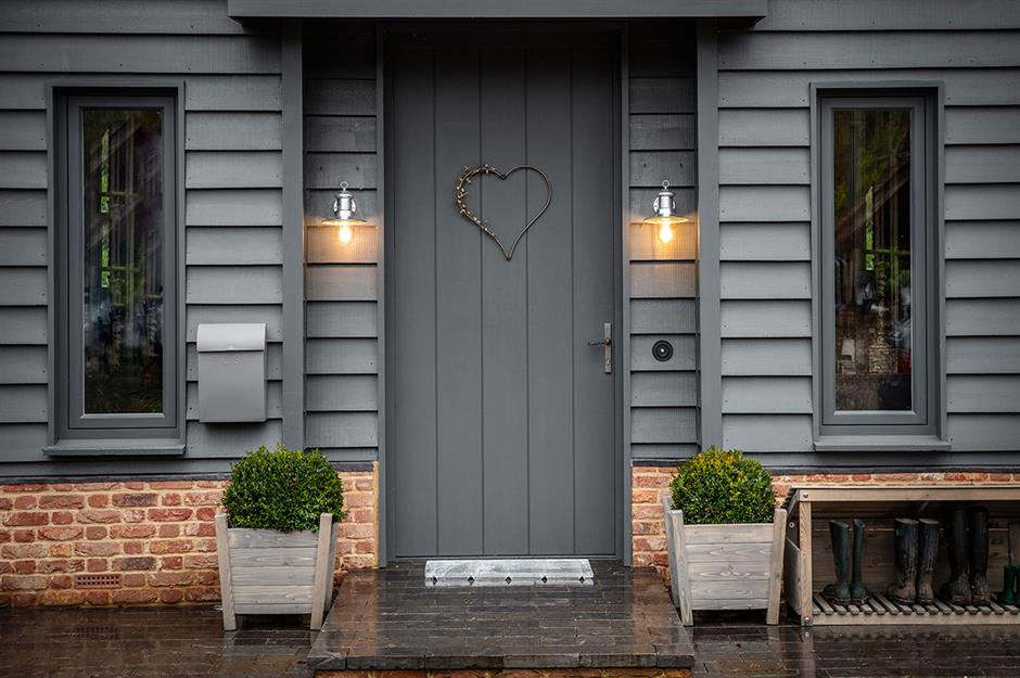 What Kind of Main Door Would Suit Your House?